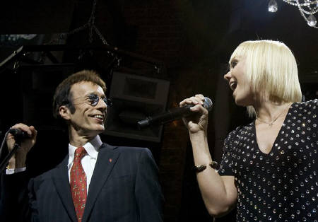 Robin e Valeriya dal vivo a Mosca
